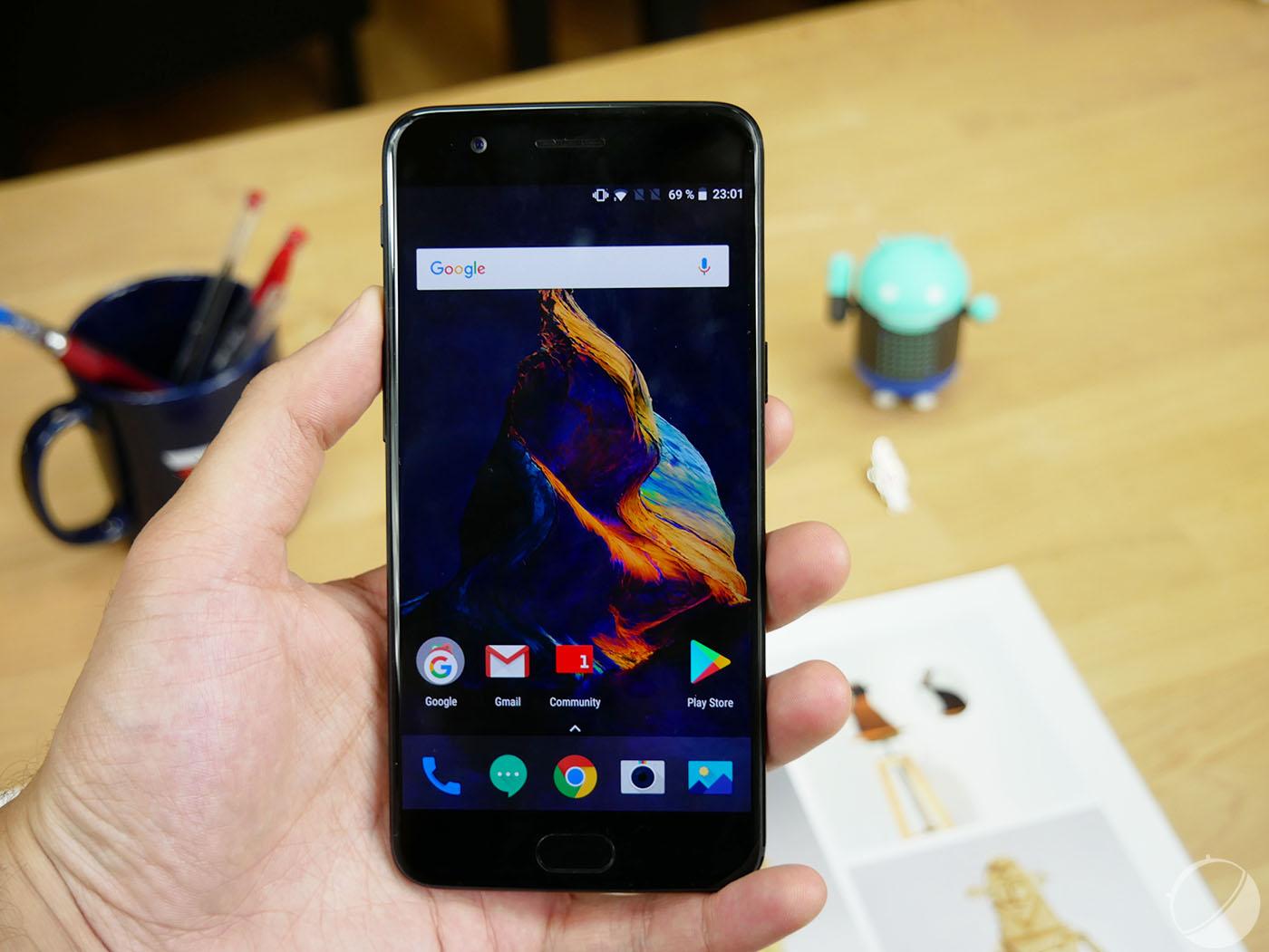 Le OnePlus 5 reçoit enfin Face Unlock dans sa version finale