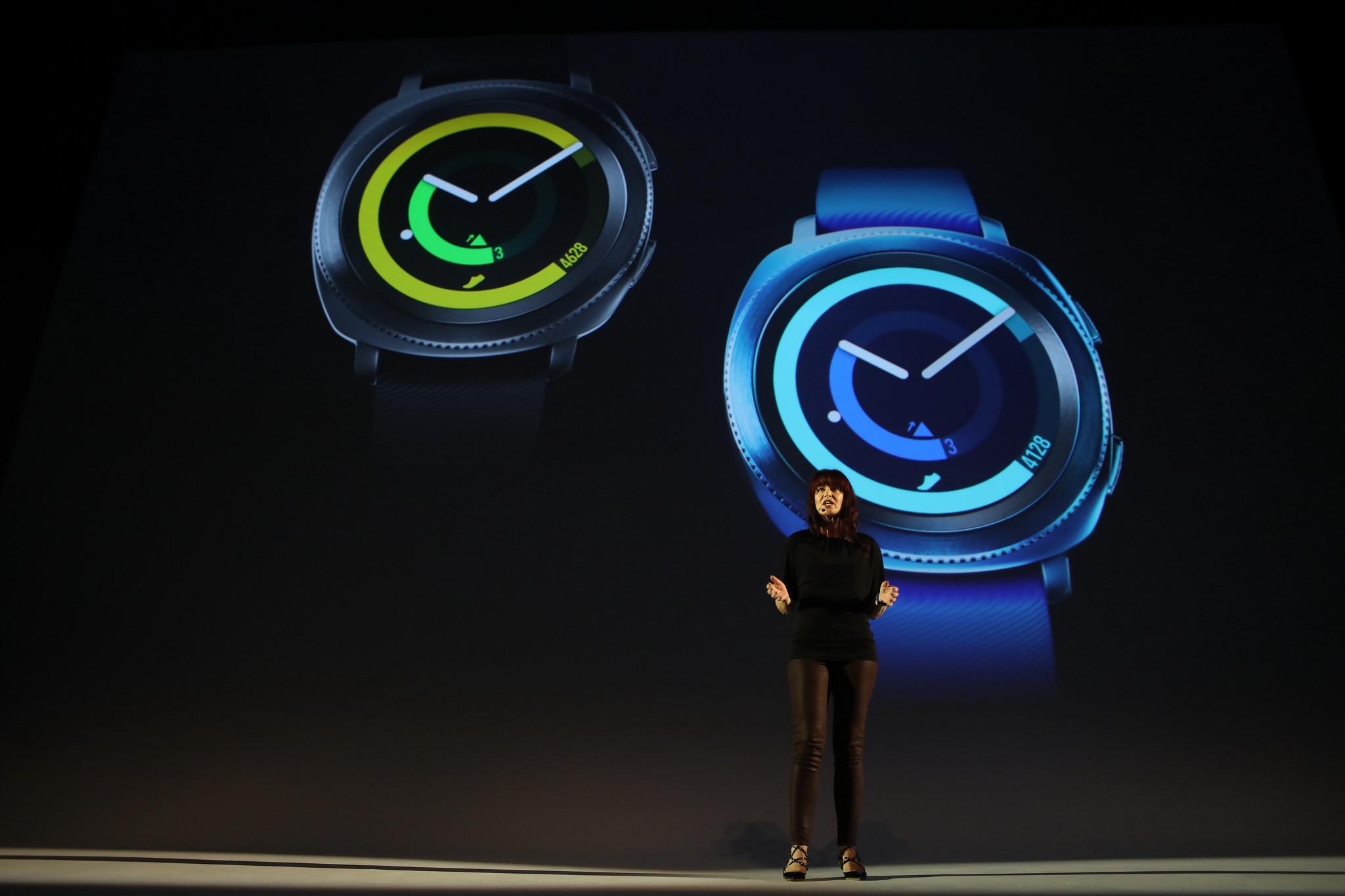 Samsung Gear Fit 2 Pro et Gear Sport : deux nouvelles montres présentées à l'IFA 2017