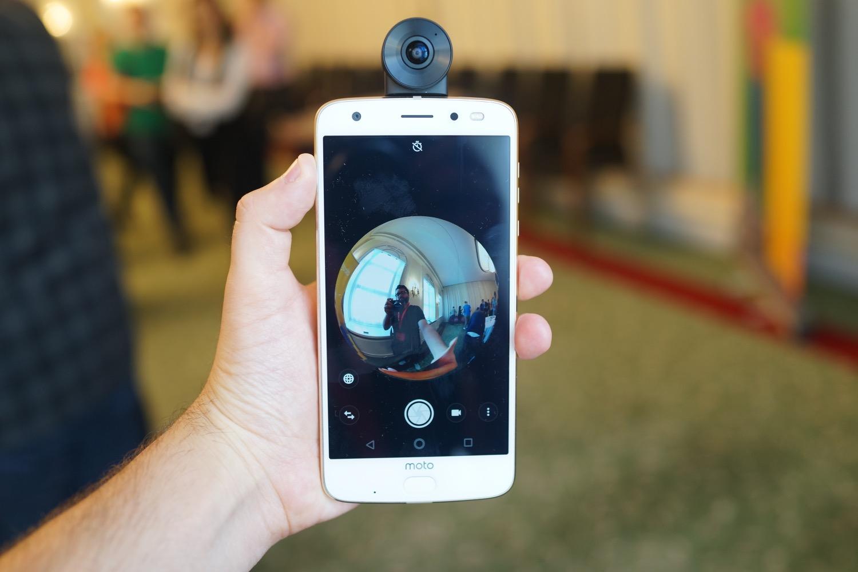 Motorola Moto Mod 360 : une caméra sphérique qui filme à 360 degrés