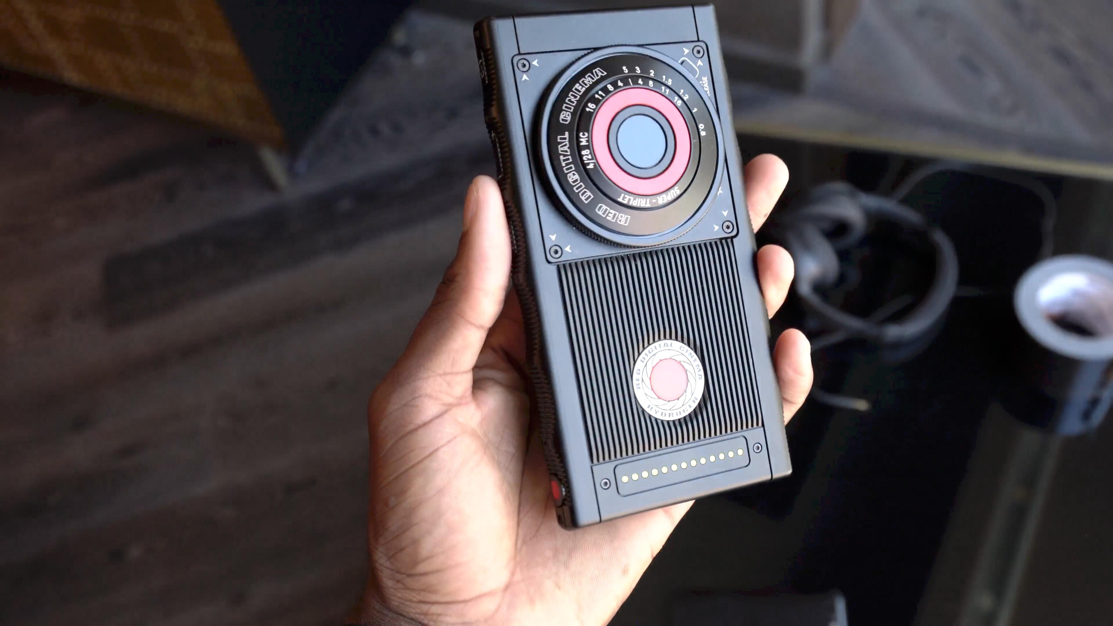 RED Hydrogen One: en retard, le smartphone à hologrammes se fait toujours plus désirer