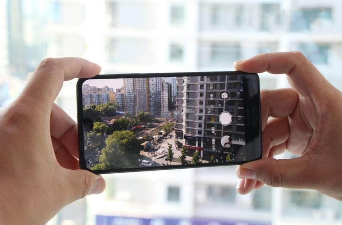 Les smartphones Sharp reviennent en Europe dès 2018