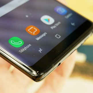 Le Samsung Galaxy A8 2018 n'a pas de capteur de pression pour remplacer le bouton en façade