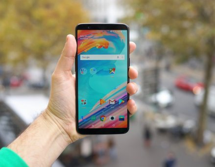 OnePlus 5 et 5T : Android 9.0 Pie pointe...