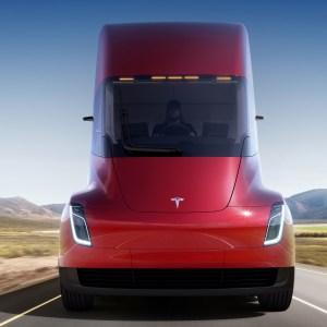 Le Tesla Semi s'offre une sortie sur piste remarquée en attendant son lancement
