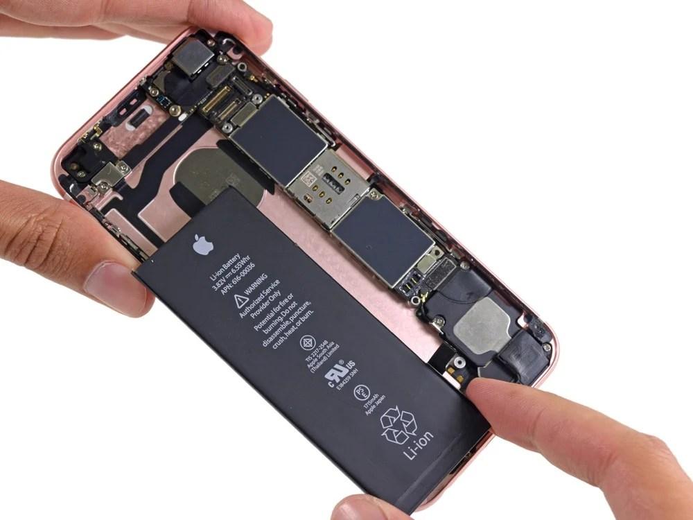 Apple s'excuse et propose un changement de batterie à 29 dollars