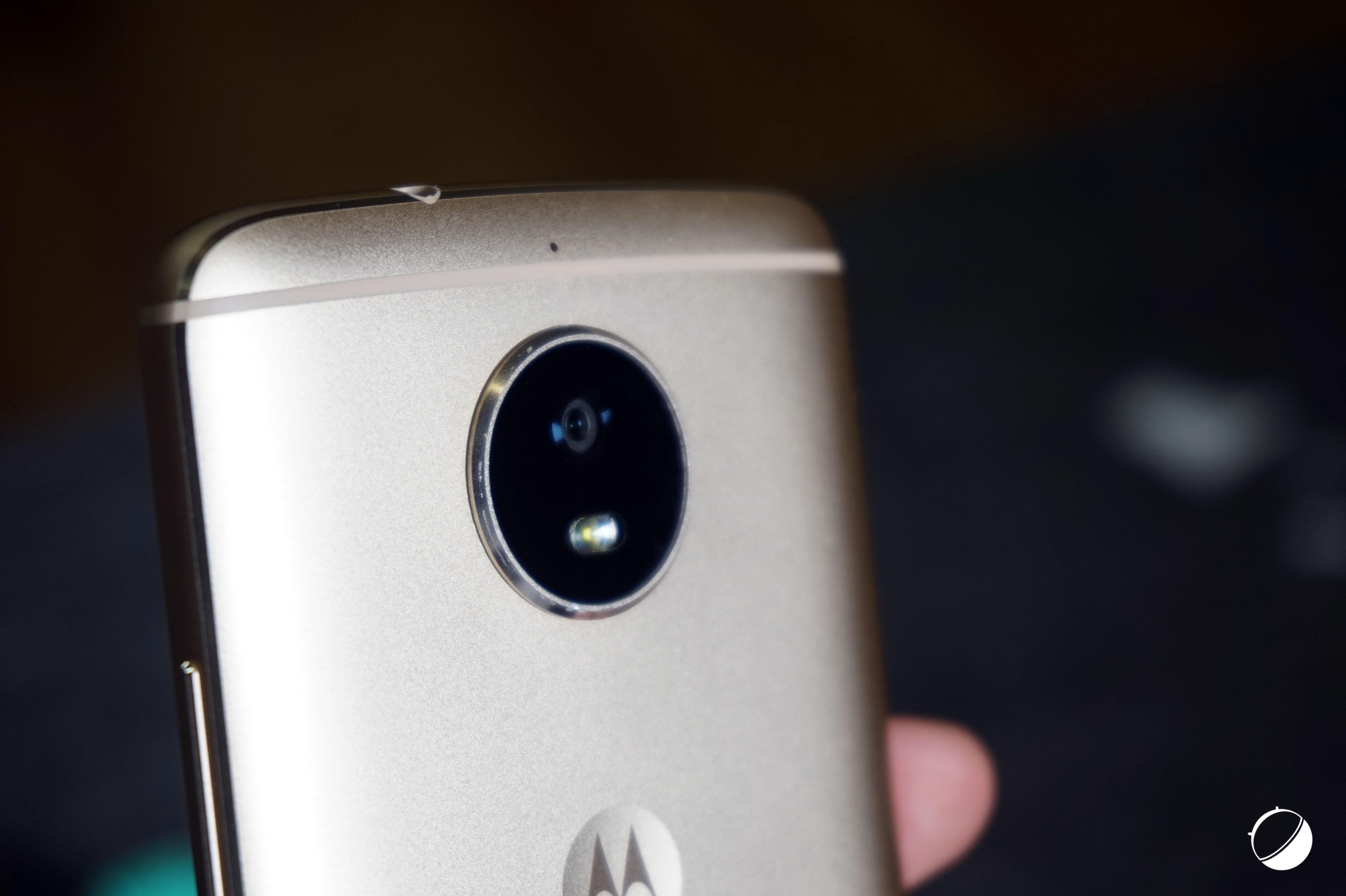 Motorola Moto G6 : une drôle de vision du borderless