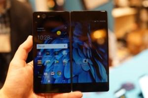 ZTE Axon M : le smartphone Android à deux écrans, la fausse bonne idée