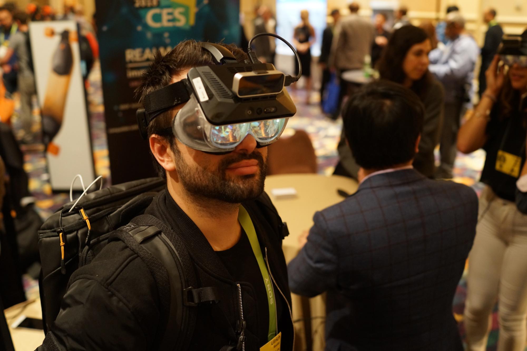 Realmax, ces lunettes AR ridicules sont en réalité impressionnantes