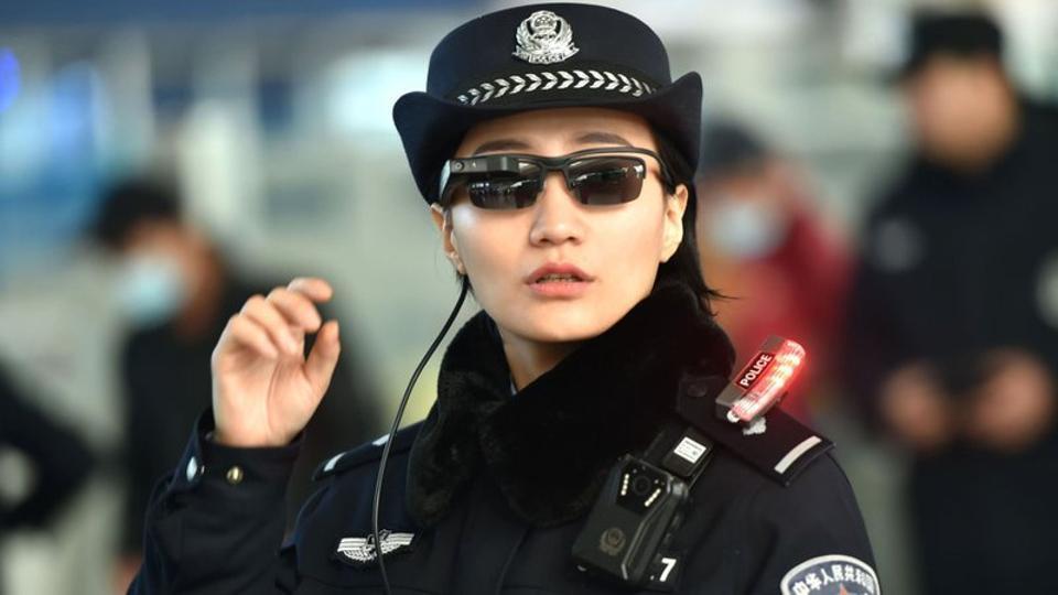 Tous aux abris! La Chine équipe ses policiers de lunettes avec reconnaissance faciale