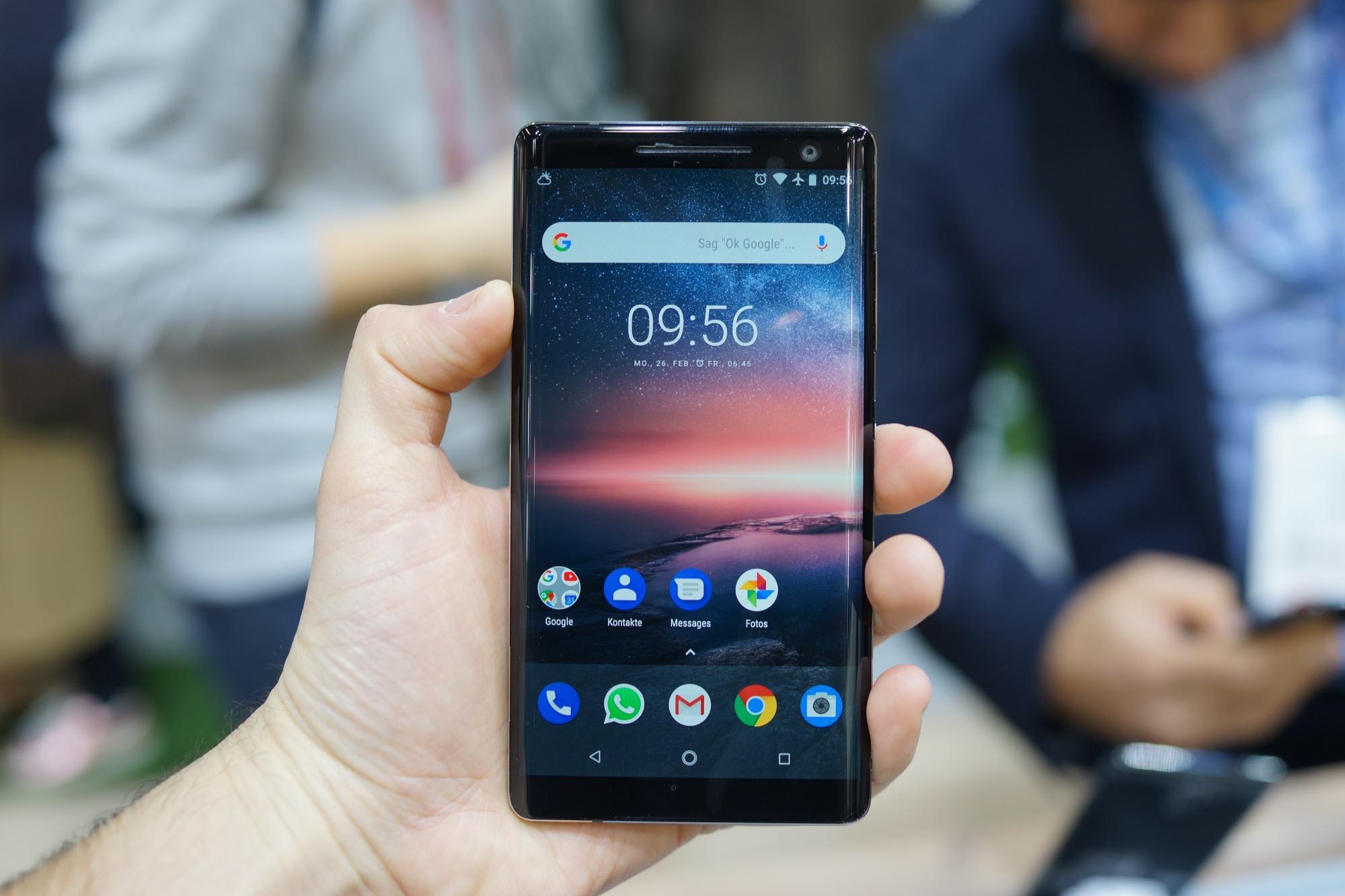 Le Nokia 8 Sirocco est impressionnant en main