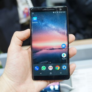 Nokia 8 Sirocco: «on a notre ADN, on ne chasse pas le Galaxy S9 ou l'iPhone X»