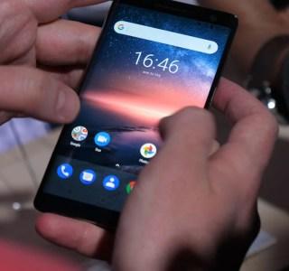 Prise en main du Nokia 8 Sirocco : un haut de gamme ultra beau avec un petit défaut