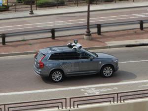 Accident de voiture autonome : la responsabilité d'Uber mise en cause par une vidéo