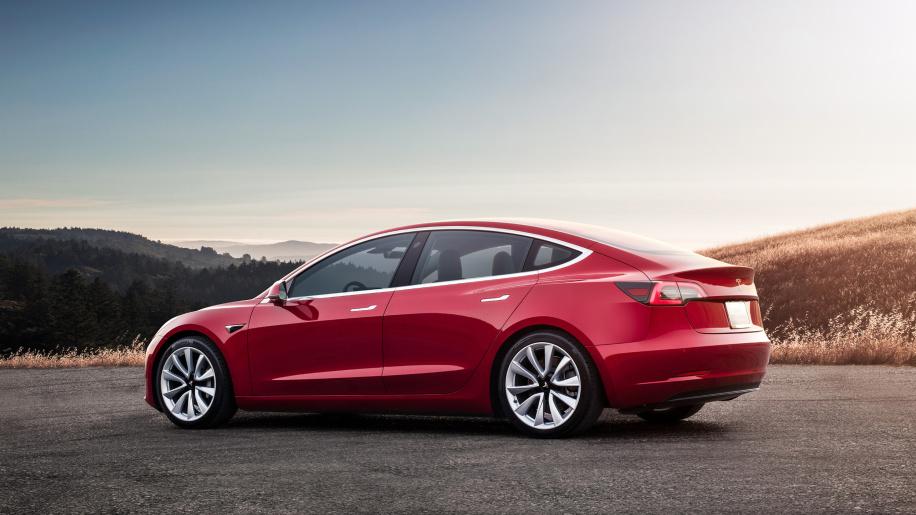 La Tesla Model 3 bat un record : 975 kilomètres avec une seule charge