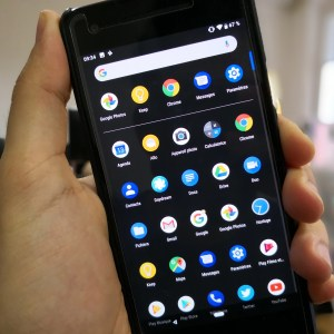 Le Google Pixel Launcher va enfin se doter d'un thème sombre manuel