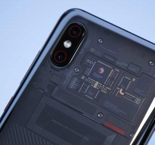 Xiaomi Mi 8 Explorer : la coque transparente affiche de faux composants, et alors ?