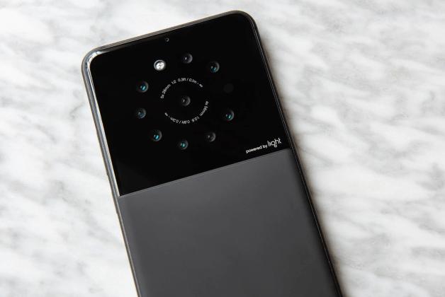Après le L16, Light a conçu un smartphone avec 9 capteurs photo