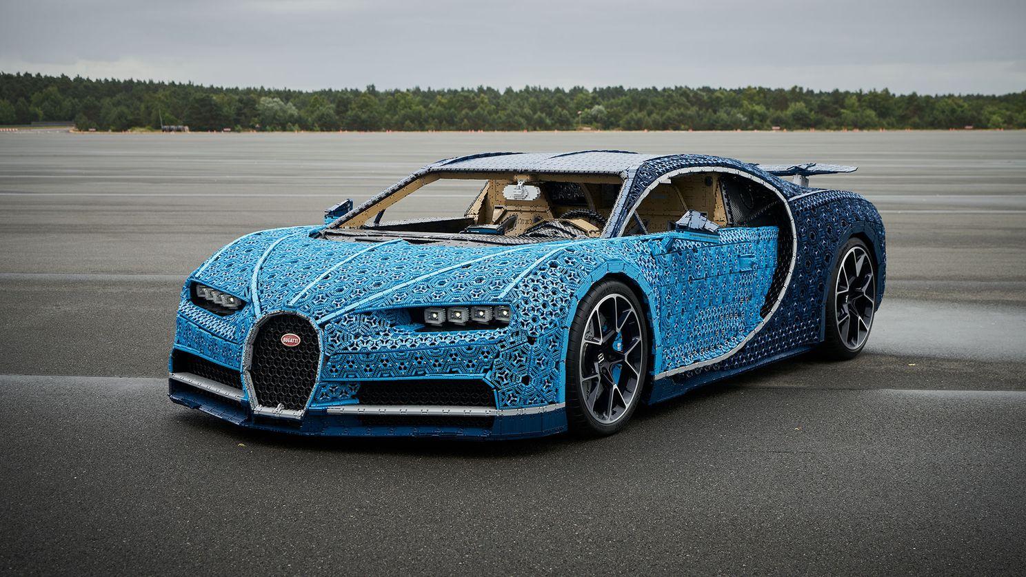 Une Bugatti Chiron qui roule grâce à un million de pièces Lego Technic