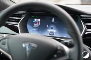 Tesla Model S et X : l'Autopilot bridé pour respecter les lois européennes