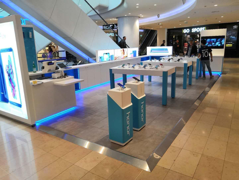 Honor a ouvert un magasin éphémère à la Défense, où vous pouvez acheter le Honor Play