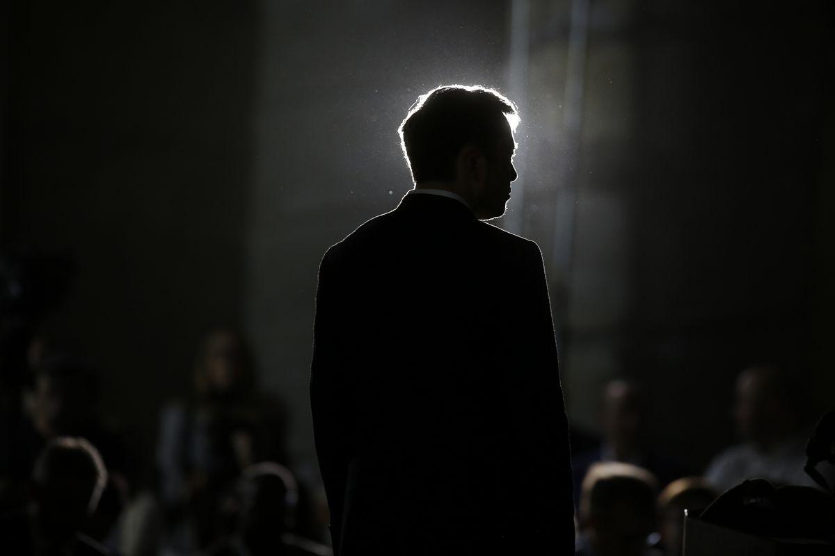 Réfléchissez avant de tweeter : Elon Musk perd 20 millions de dollars et son poste de président de Tesla