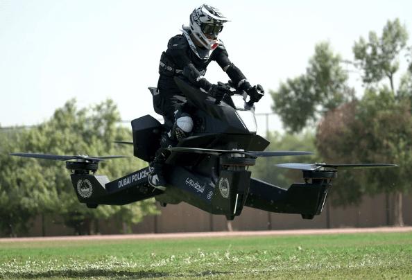 La moto volante imaginée par Hoversurf frôle les 100 km/h de vitesse de pointe