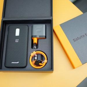 Entre Dash Charge et Super Vooc, comment le OnePlus 6T MacLaren fait du 0 à 100 en 1 heure