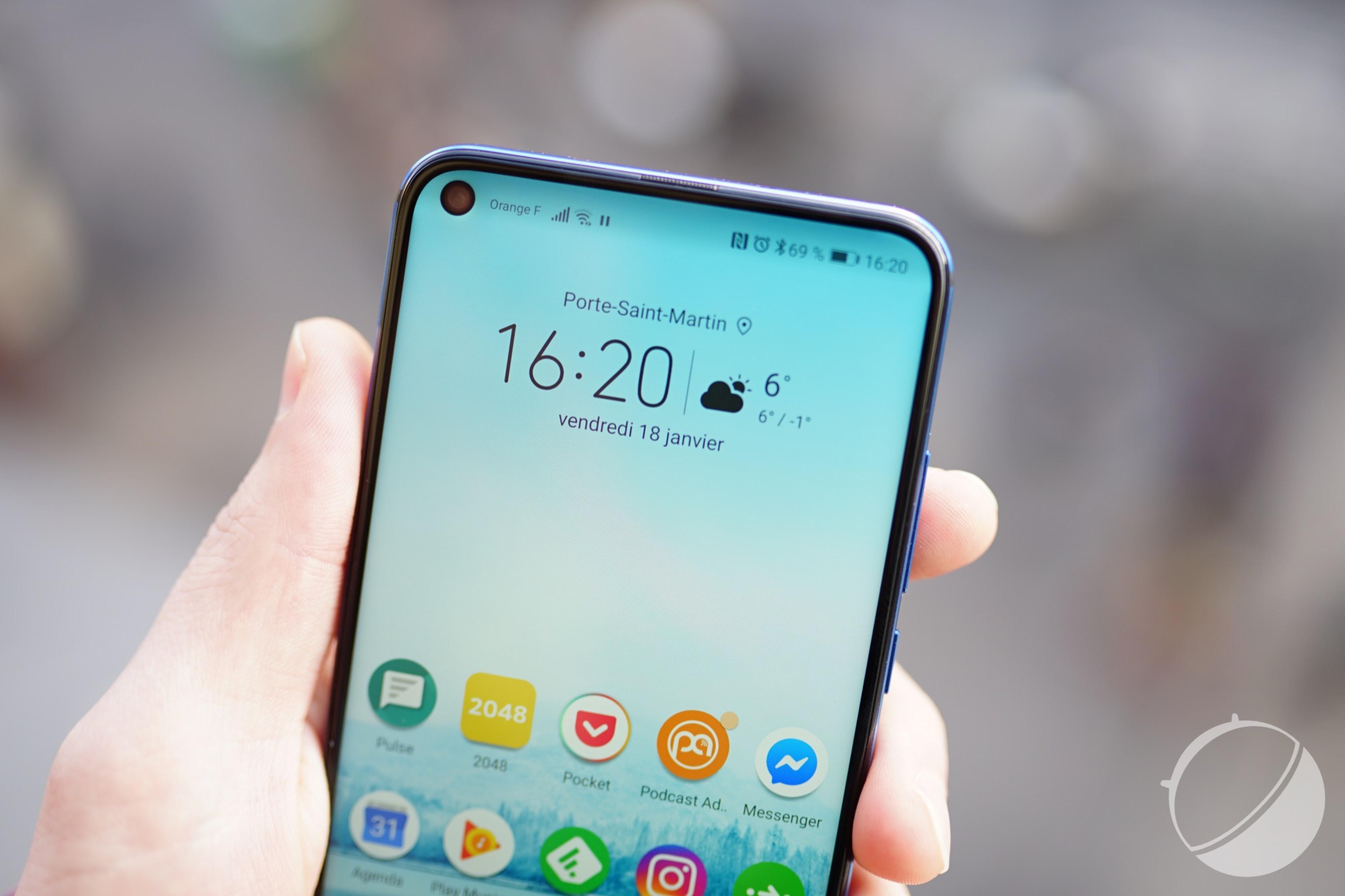 Toujours plus : Xiaomi envisage un smartphone avec 2 trous dans l'écran