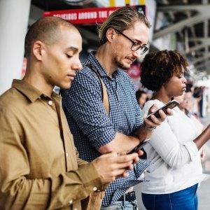 Chaque personne passe en moyenne plus de 100 jours par an sur Internet d'après un rapport