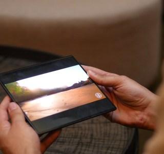 Notre prise en main du Huawei Mate X : inquiétudes et admiration autour du smartphone pliable