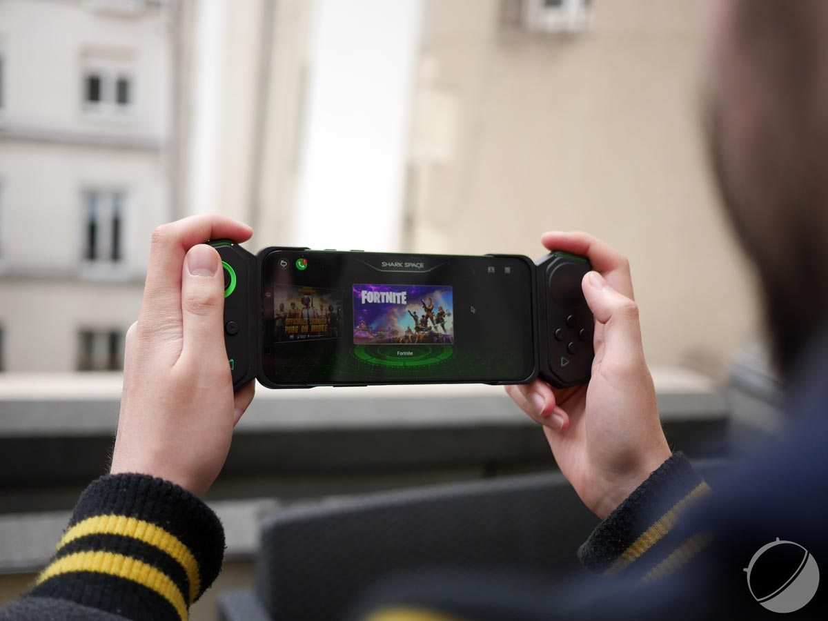 Test du Black Shark 2 : le smartphone qui se voulait Nintendo Switch
