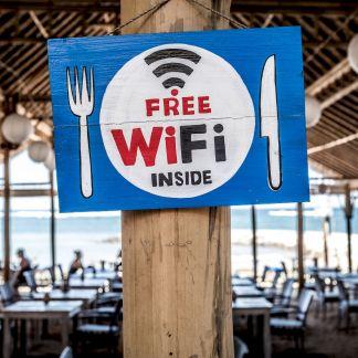Vol de données, malware : pourquoi vous devez vraiment vous méfier des WiFi publics
