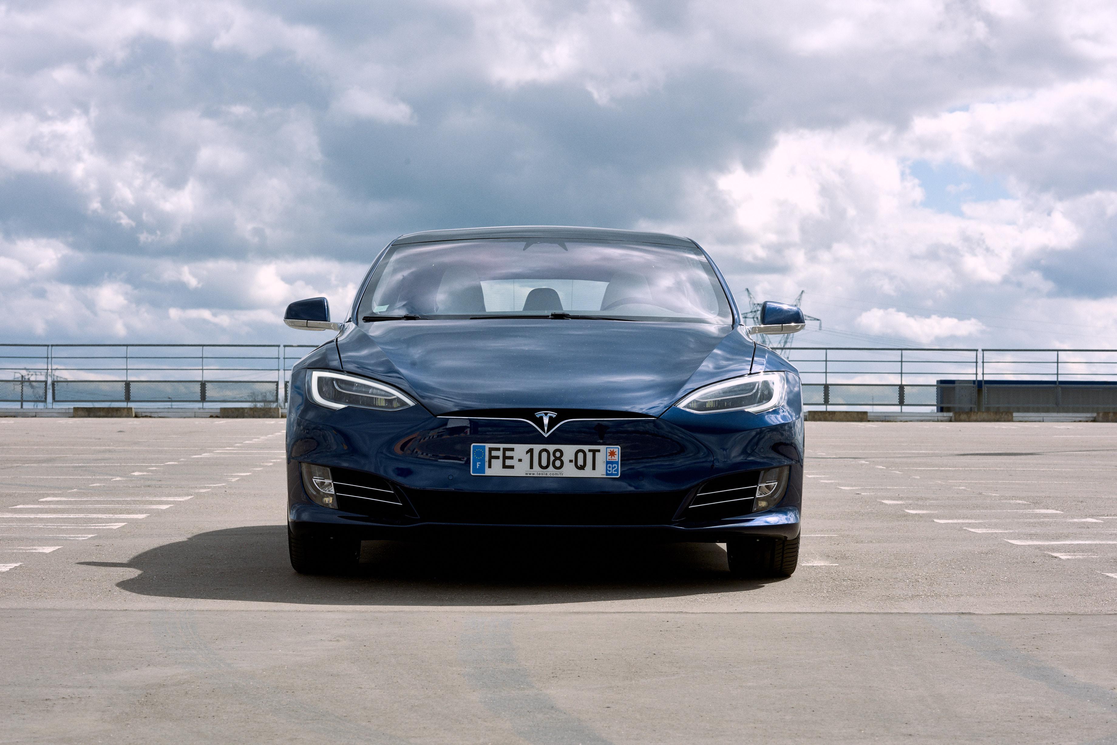 Musk évoque une Tesla avec plus de 600 km d'autonomie : c'est bien, mais pas encore assez