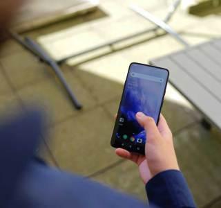 OnePlus 7 et 7 Pro : chargement intelligent et mode lecture amélioré en bêta