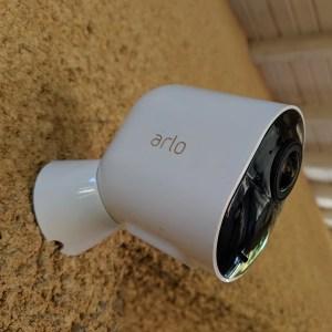 Test de l'Arlo Ultra : une caméra de surveillance sans fil et 4K, vraiment ?