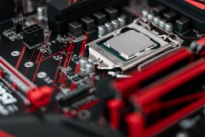 Pour le PDG d'Intel, le retard du 10 nm viendrait d'objectifs de conception trop élevés
