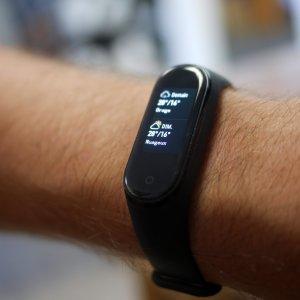 Mi Band 5 : le prochain bracelet de Xiaomi pourrait profiter du paiement sans contact