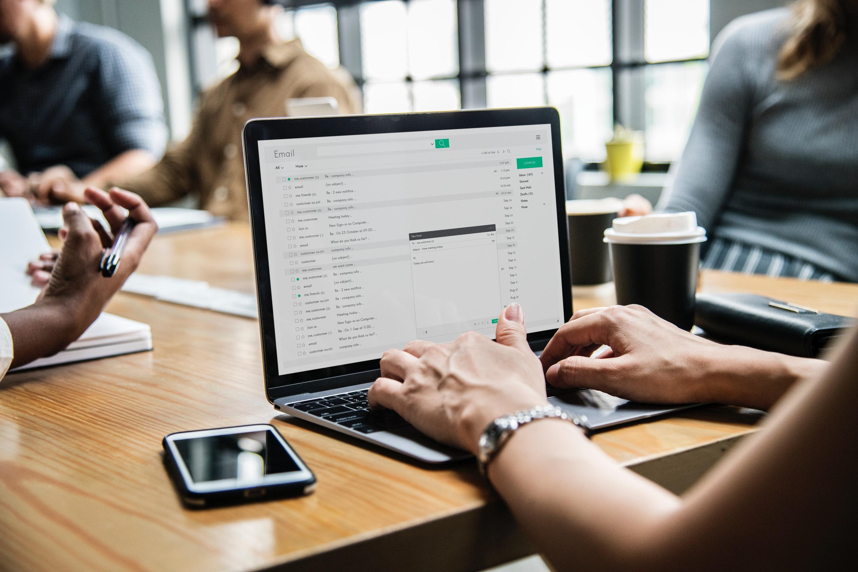 Gmail vous dira quand vos collègues sont absents avant de leur écrire