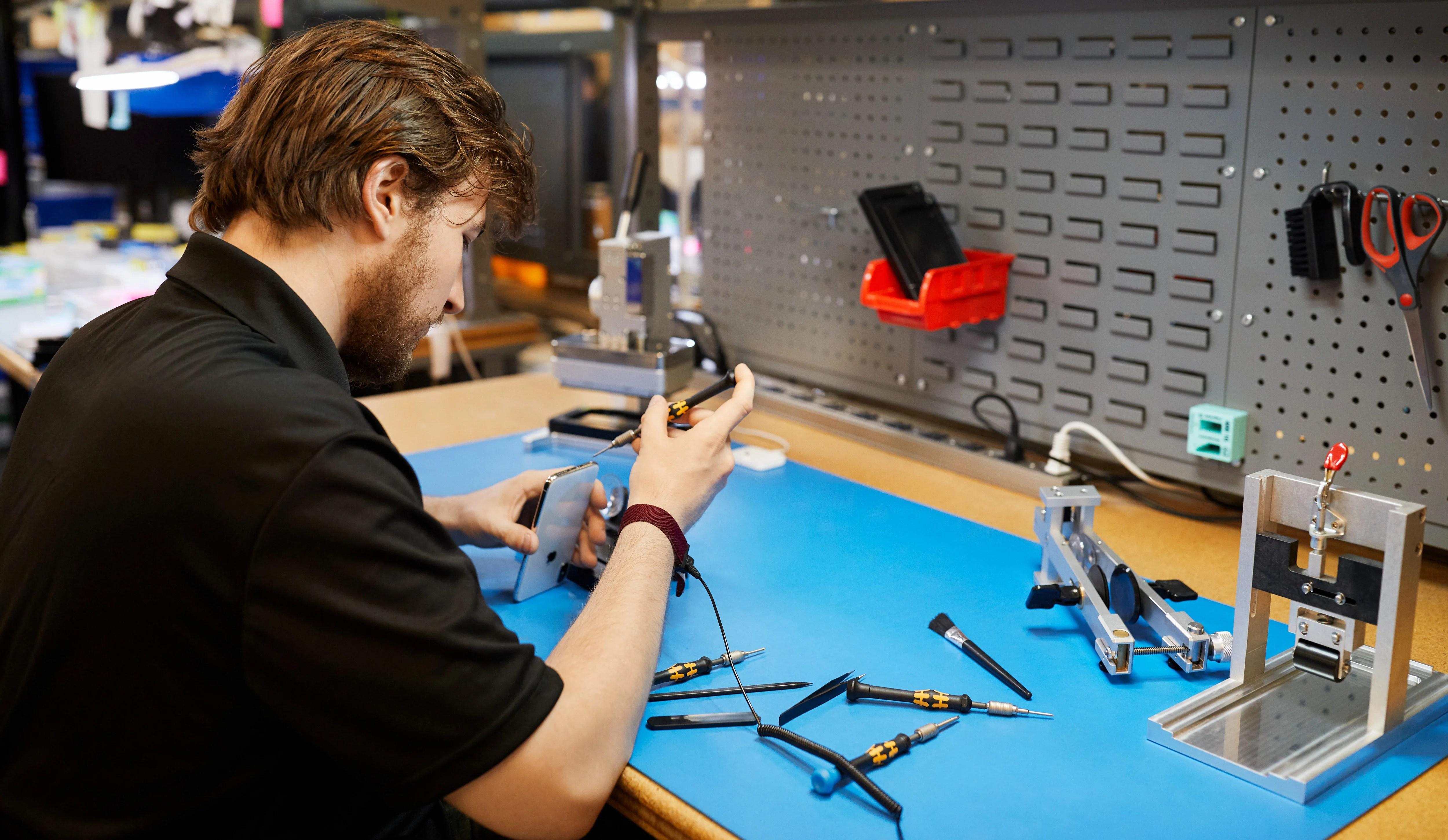 Pourquoi il va être plus simple et moins cher de faire réparer son iPhone