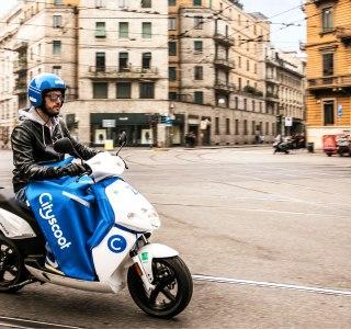 Scooters électriques en libre-service: Paris va limiter le nombre d'opérateurs en 2022