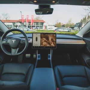 L'Autopilot de Tesla pourrait être utilisé sur les voitures d'autres marques