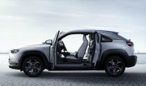 MX-30 officialisé : le premier SUV électrique de Mazda se dote de portières «suicide»