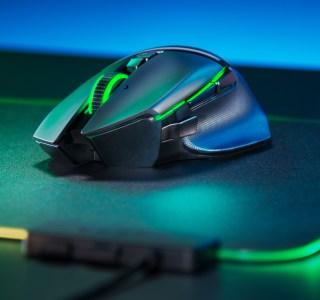 Razer Balistik Ultimate : une souris sans fil à 20 000 DPI dédiée aux FPS et à l'esport