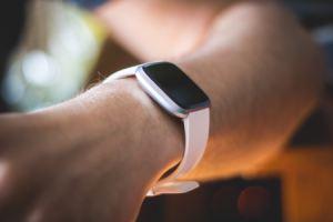 Google rachète Fitbit et promet de créer ses propres montres Wear OS