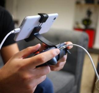 Quelle manette de jeu choisir pour jouer sur Android et iPhone en 2021?