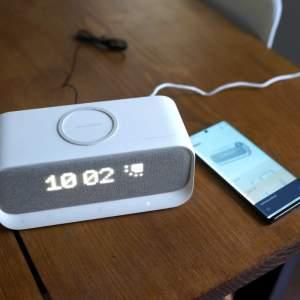 Test de l'Anker Soundcore Wakey: réveil Bluetooth avec de la charge sans fil pour votre smartphone