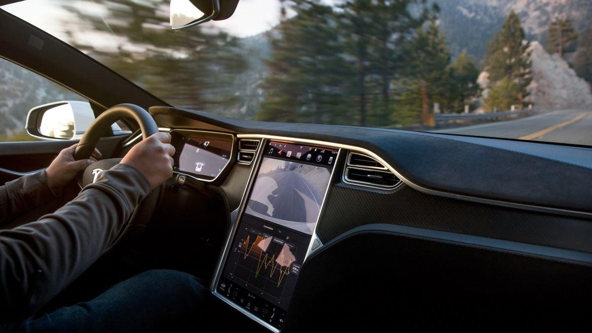 6 nouveautés de la mise à jour fin 2019 de Tesla : auto-pilote, Stardew Valley, clavier vocal…