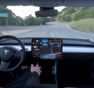 Tesla : remplacer l'ordinateur de bord d'anciens modèles sera bientôt possible