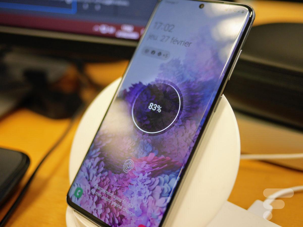 Samsung devrait ajouter la charge sans fil à davantage de smartphones