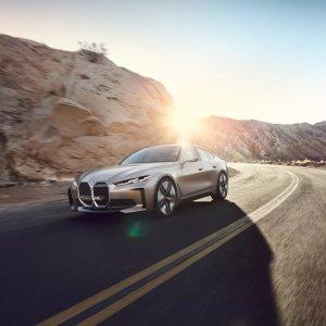 BMW i4 M: sa version Performance promet une électrique encore plus véloce